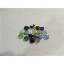 LOT 16 VINTAGE MARBLE SHOOTERS CAT EYES, CLEAR AND