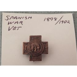 High Grade Spanish American War Veterans Lapel Button