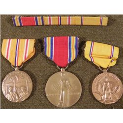 WWII MARINE GROUPING 3 MEDALS & MATCHING RIBBON BAR