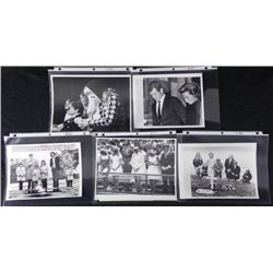 5 Original Kennedy Press Photo Mourning Robert and John