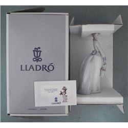 Lladro Porcelain Girl Figurine #7622 Basket Of Love MIB
