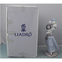 Lladro Porcelain Figurine #5141 Balloon Seller Lady MIB