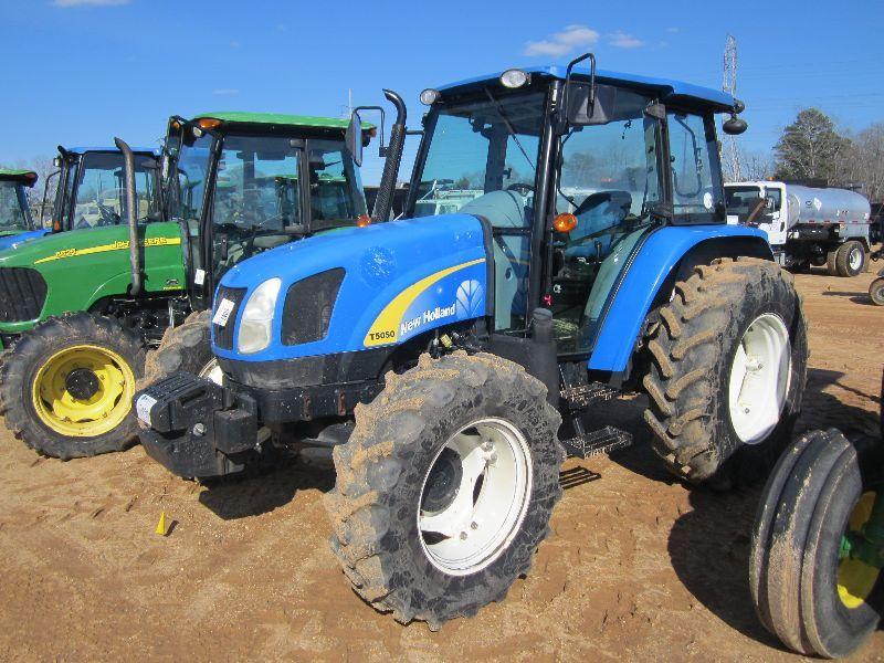 NEW HOLLAND T5050 4X4 FARM TRACTOR, S/N Z8JH16007 (08 YR) 3 PTH, PTO, 3  REMOTES, ECAB W/AIR, 16 9R30