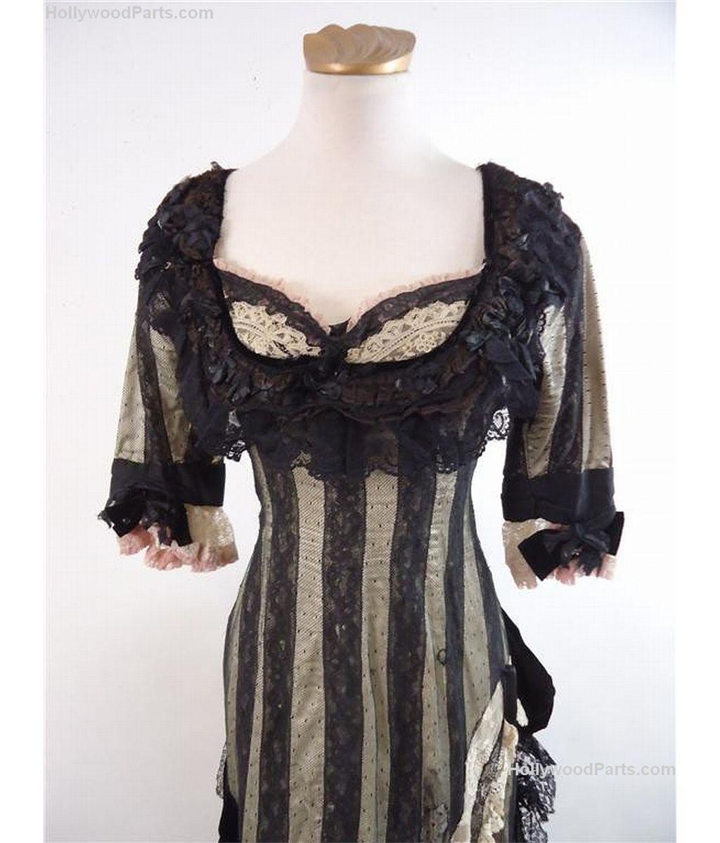 Angelina Jolie Original Sin original sin julia (angelina jolie) black dress and corset