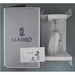 Lladro Porcelain Girl Figurine #7622 Basket Of Love MIB
