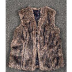 The Limited Ladies Warm Faux Fur Vest Size Large