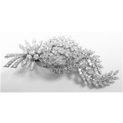 14k White Gold Broach w/ Round Brilliant Cut Diamonds, TAW: 9 carats. 262 round brilliant cut diamon