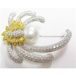 18k Yellow & White Gold Broach w/ Pearl & Round Brilliant Cut Diamonds - Pearl: 13.4mm x 13.5mm, 259