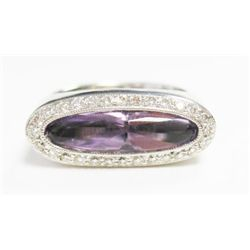 18k White Gold Ring w/ Amethyst & Round Brilliant Cut Diamonds - Approx. 0.20 carats of round brilli