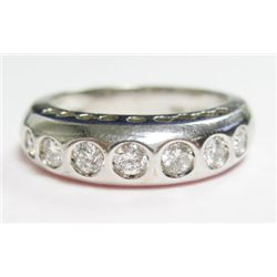 18k White Gold Ring w/ Round Brilliant Cut Diamonds - 7 round brilliant cut diamonds, TAW: 0.42 cara