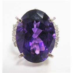 Platinum Ring w/ Amethyst & Round Brilliant Cut Diamonds - 8 round brilliant cut diamonds, TAW: 0.16
