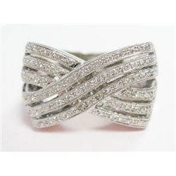 Platinum Ring w/ Round Brilliant Cut Diamonds - Approx. 0.25 carat of round brilliant cut diamonds,