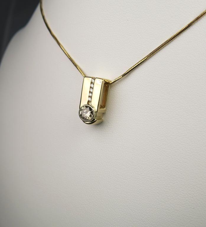 Elegant Custom Diamond Pendant with round cut light champagne diamond  weighing approx  0 60 carats w