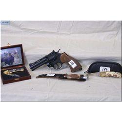 Tray Lot : Rich A Herder mod Original Buffalo Skinner Hunting knife w/sheath - Franklin Mint Collect