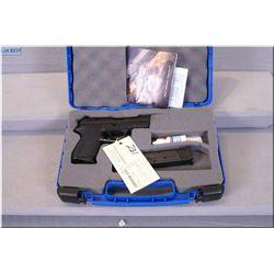 Sig Sauer mod SP 2022 . 9 MM cal 10 shot semi auto Pistol w/106 mm bbl [ appears excellent, blue fin