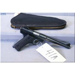 Ruger mod.MARK 1 ,.22 L.R. clip fed   9-shot  s/auto pistol w/174 mm[ blued  finnish checked black g