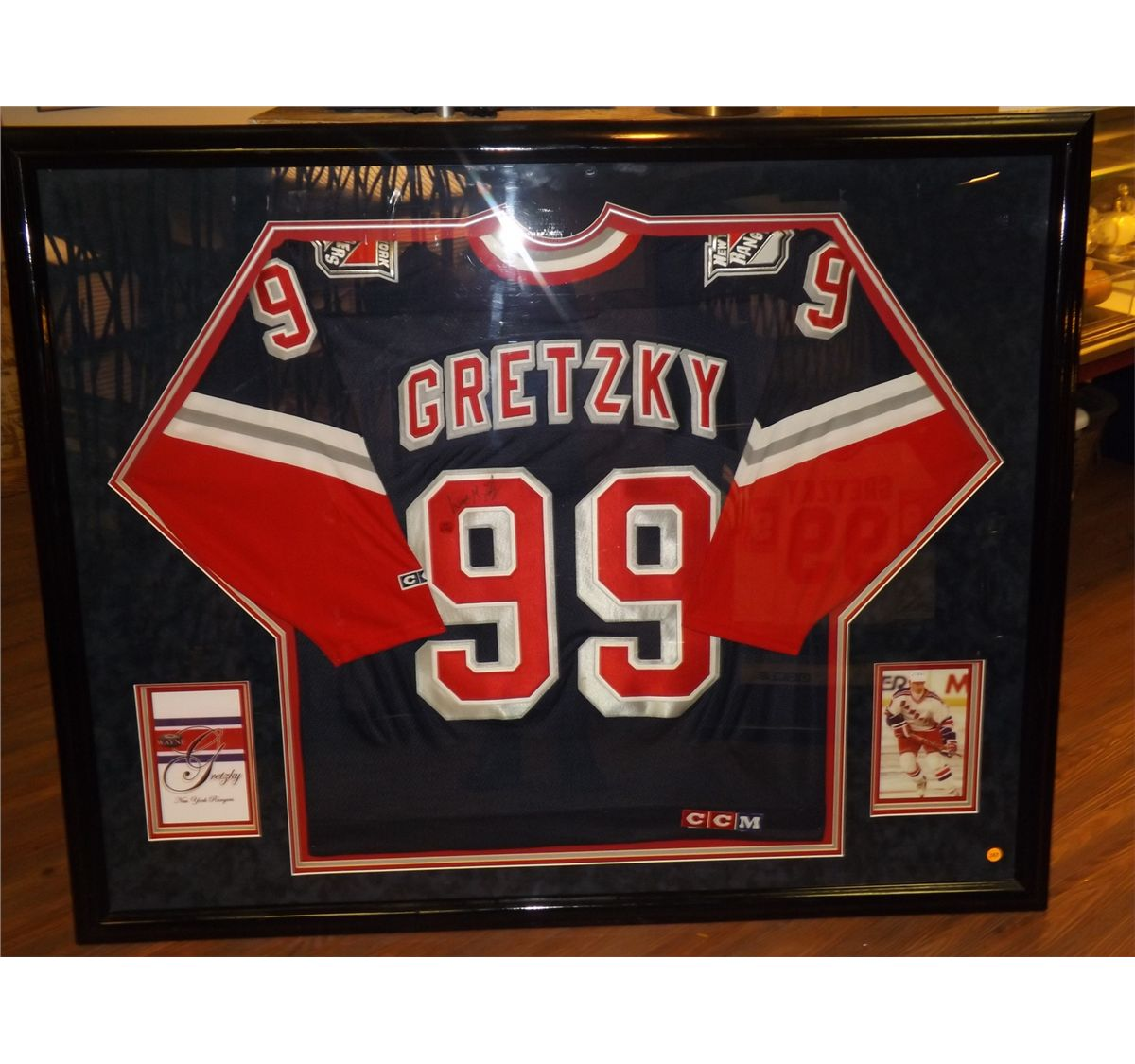 new product cdfd7 710b5 Wayne Gretzky Autographed Jersey. Framed Official CCM NY Rangers #99 Ice  Hockey Jersey. Appraised