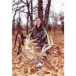 5-day Kansas Free-range Midwestern White-Tailed Deer Hunt for One Hunter