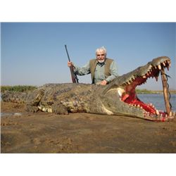 7-day Mozambique Crocodile Hunt for One Hunter and One Observer