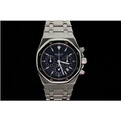 WATCH: Mens st.steel Audemar's Piguet Royal Oak wristwatch; 39mm case; polished fixed octagonal beze