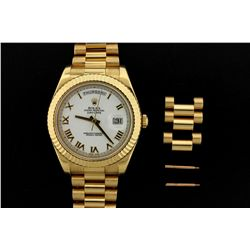 ROLEX: Mens 18ky Rolex O.P. Day-Date II wristwatch; 41.5mm case; fluted bezel; white dial w/ gold Ro