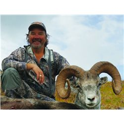 12-DAY STONE'S SHEEP HUNT IN NORTHERN BRITISH COLUMBIA FOR 1 HUNTER
