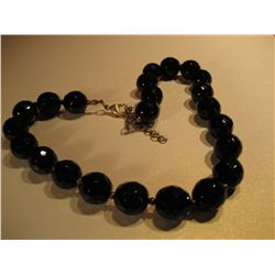 COSTUME JEWELRY VINTAGE BLACK GLASS BEADED NECKLACE