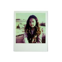 Falling Skies Anne Glass (Moon Bloodgood) Polaroid of Lexi (Scarlett Byrne) Movie Props