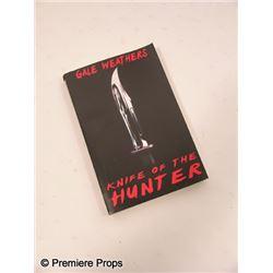 Scream 4 Gale Weathers-Riley (Courteney Cox) Book Movie Props