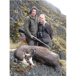 5-day New Zealand Chamois Hunt for One Hunter and One Observer
