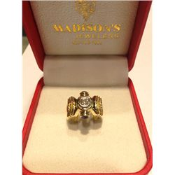 Ladies 18K Diamond Ring