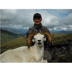 10-day Yukon Hunt with Choice of Dall Sheep, Grizzly Bear or Yukon Moose for One Hunter