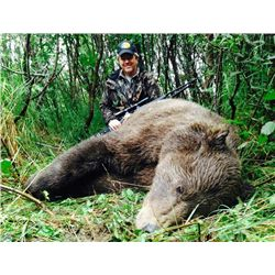 7-day Alaska Grizzly Bear Hunt and Silver Salmon Fishing for One Hunter and One Observer