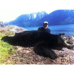 5-day Vancouver Island Black Bear Hunt for One Hunter