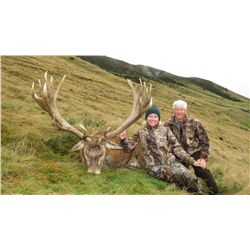 4-Day Red Stag and Tahr Hunt for Two Hunters in New Zealand - Includes Trophy Fees