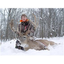 PAC-2 RAFFLE: 4-Day Whitetail Deer Hunt for Two Hunters in Minnesota – Includes Trophy Fees