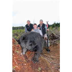 5-Day Vancouver Island Bear Hunt for One Hunter and One Non-Hunter - Includes Trophy Fee