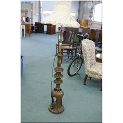 Asian motif cast floor lamp with shade