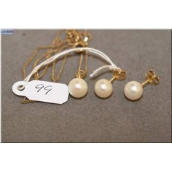 Pearl pendant and earrings set with 14kt yellow gold with 14kt gold chain