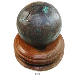Bronze cannonball (21 lb), rare, with display stand from La Capitana 1654