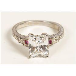 Ring worn by Geena Davis in Stuart Little 2