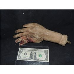 CRUSHED SILICONE HAND