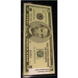 1007.   Series 2001 (old style large face) $5 US Federal Reserve Note, crisp UNC, seldom seen  in ci