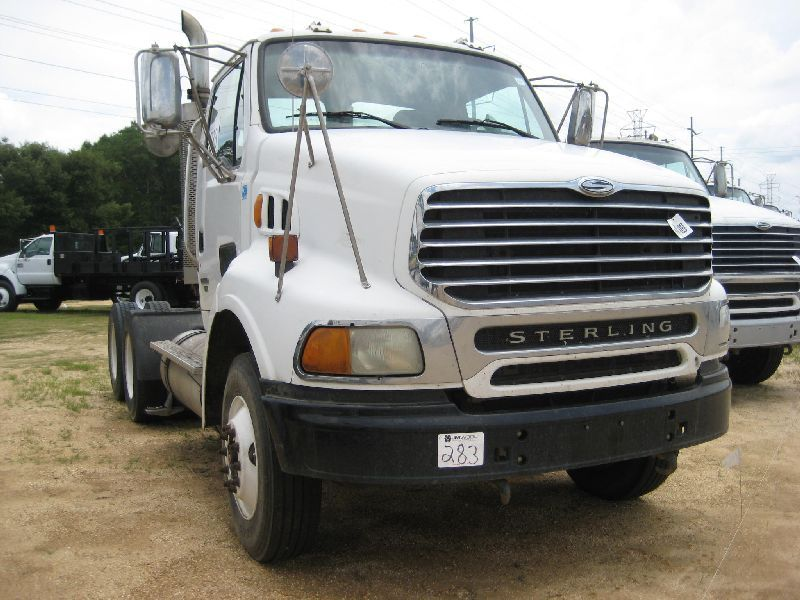 2005 STERLING AT9500 T/A TRUCK TRACTOR, S/N 2FWJA3CV25AN83354, 450 HP MBE  ENG, 10 SPD TRANS, 40K REA
