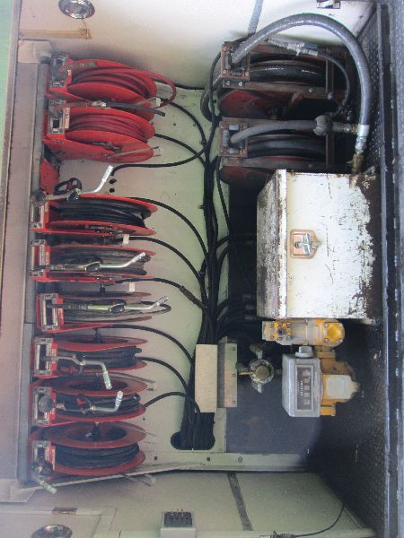image 3 : 1998 kenworth t800 t/a fuel & lube service truck, s