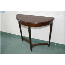 Modern D-Table with reeded supports