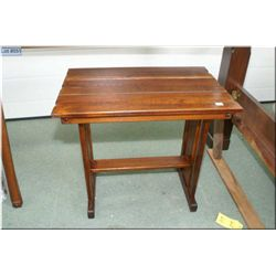 Small mission style oak occasional table