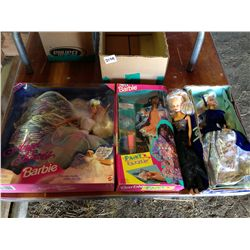lot of 3 Barbie's