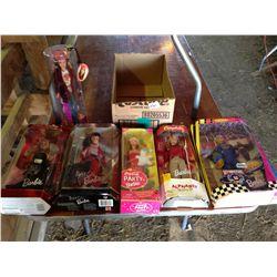 Lot of 6 Barbie's