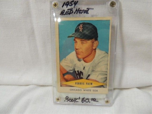 1954 Red Heart Ferris Fain Baseball Card